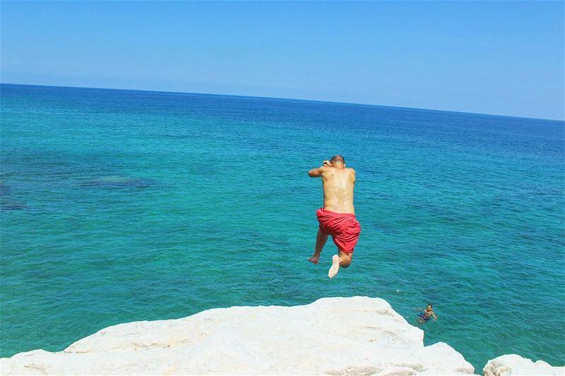 lebanon jump hauteur plage amzaing soleil lebanontimes bestofleb... (Naqoura)