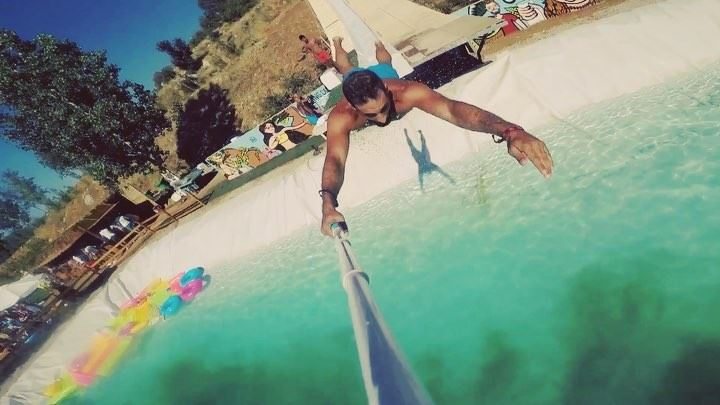 That's how u do it waterslide slide toboggan ... gopro yallagopro... (The Field Lebanon)
