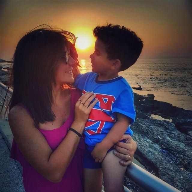 My superman 💪....... mydate sunsets meandhim mylittleman ... (Ain El Mreisse, Beyrouth, Lebanon)