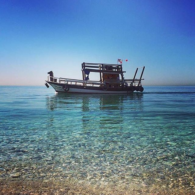 Don't you wish we have water taxis in lebanon? @livelovebyblos by @stephaniehbech suggested by @haigmelikian (Byblos, Lebanon)