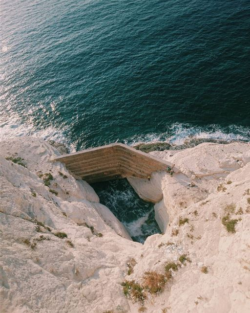 ᴠɪᴇᴡ ғʀᴏᴍ ᴛʜᴇ ᴛᴏᴘ 🔝 🔝 (Naqoura Beach , South Lebanon)