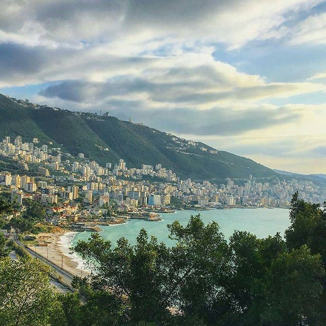 Where mountains and ocean unite @livelovejounieh by @buddcorp (Joünié)