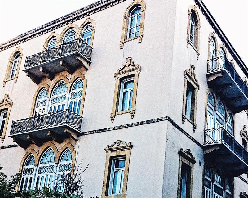 •Beiruti facades 🇱🇧•..... TripOfWonders alldaytravel ... (لبنان)