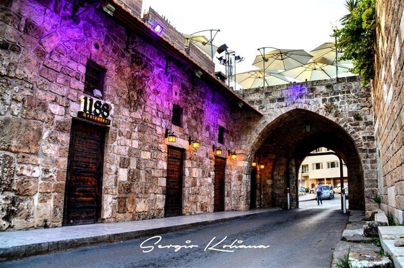 حيط مسحّب. sergio_koliana_photography meetlebanon mylebanon ... (Byblos)
