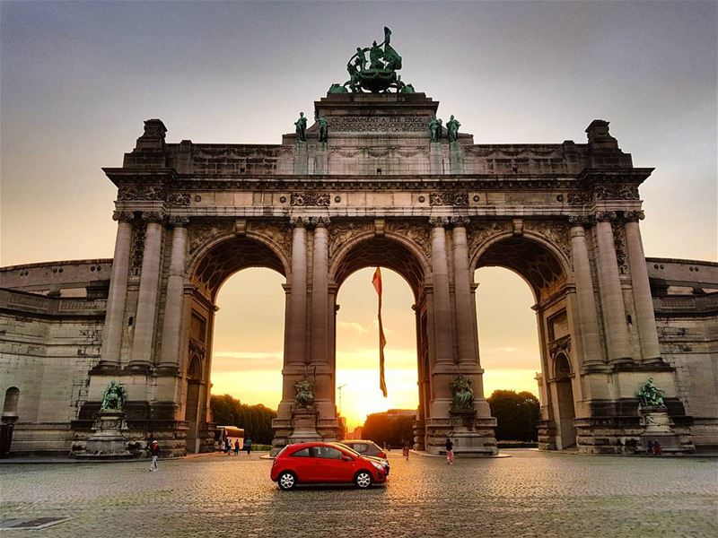 First sunset in Brussels. Already loving the vibes of this city! ... (Cinquantenaire)