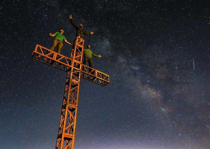 Dream Big & Reach for the Stars 💫🌌Hope you had an amazing week end, and... (Mzaar Kfardebian)