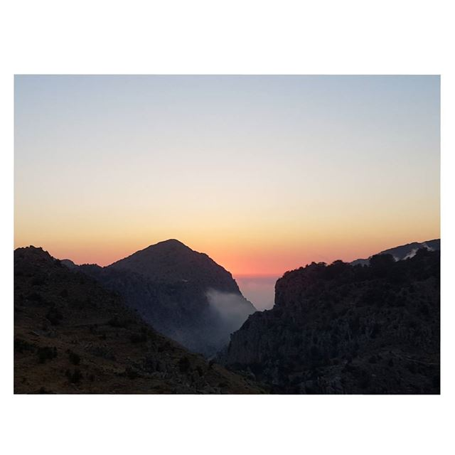 There is always something beautiful with each sunset... SecretofSunsets... (Tannurin Al Fawqa, Liban-Nord, Lebanon)