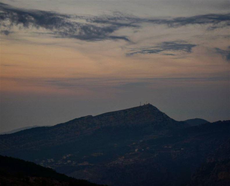 'Je viens du ciel et les étoiles entre elles ne parlent que de toi...' ... (Hadath El-Jubbah, Liban-Nord, Lebanon)