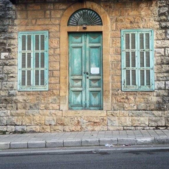 a turquoise tint 🚪 (Dhoûr Ech Choueïr, Mont-Liban, Lebanon)