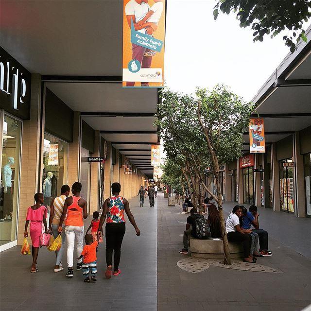 Achimota Mall accra ghana... architecture livelovearchitecture... (Achimota Mall)