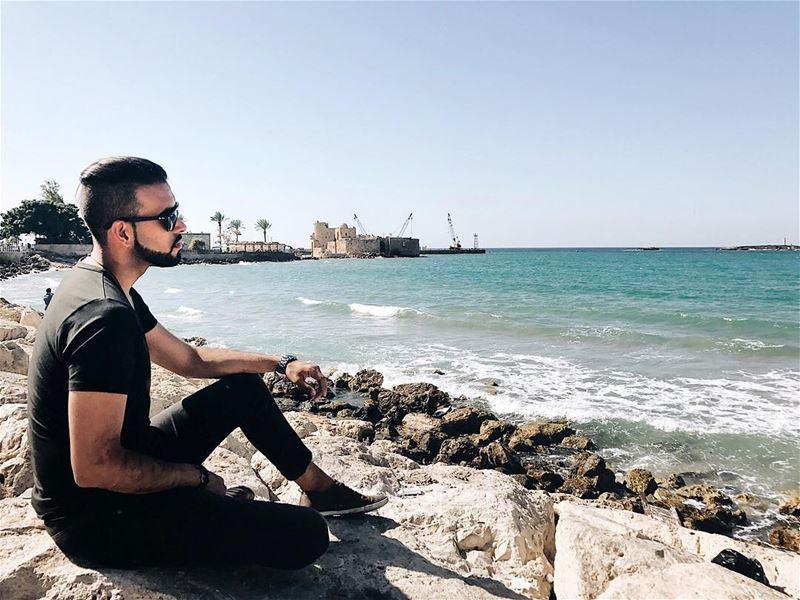 نسم لعندا يا هوا وغل بخصل شعرا وكفي لصوبي دخيلك جبلي كمشة من عطرا... انا بع (Sidon, Lebanon)