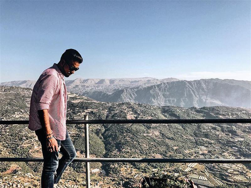 بيقولو انو البيت هو محل ما بيكون القلب، وأنا قلبي هون بين عالم بتجبلي السعا (Annâya, Mont-Liban, Lebanon)