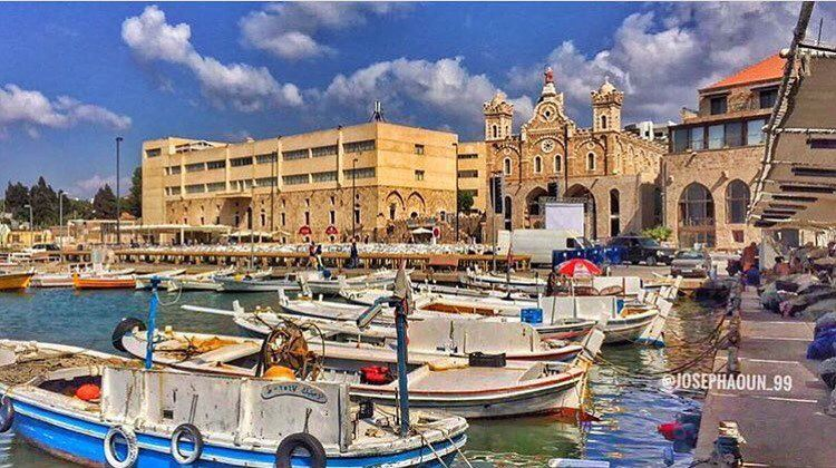 Good afternoon dear followers with this amazing pic from batroun ... (Batroûn)