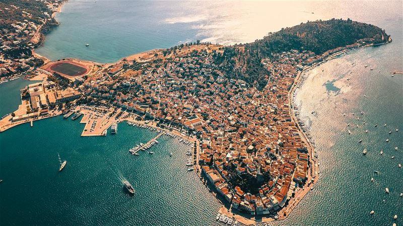 The heart of Greece 🇬🇷 🚁 Alot to explore 🚁 ✈️🇬🇷🇱🇧🌎📍Drone: DJI... (Greece)