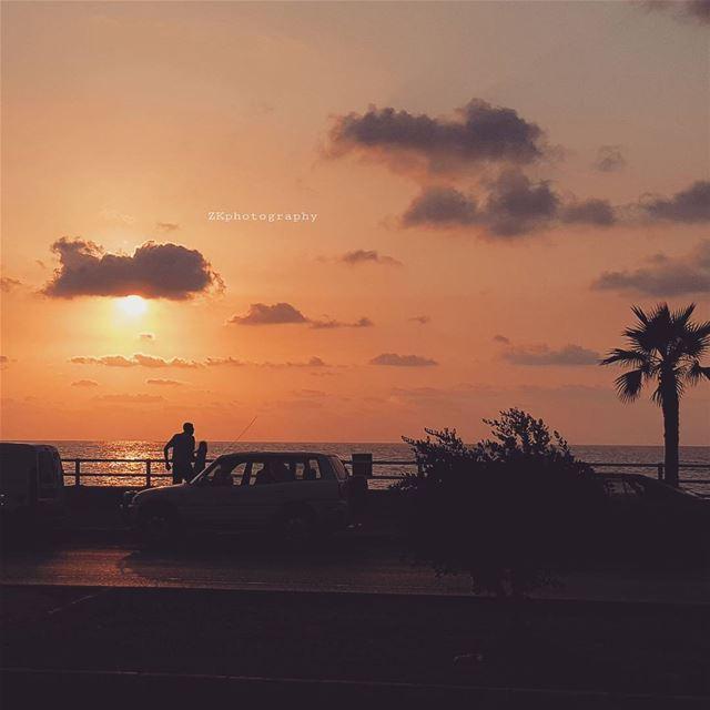 من سوء حظي نسيت أن الليل طويل ومن حسن حظك تذكرتك حتى الصباح. *... (Sidon, Lebanon)