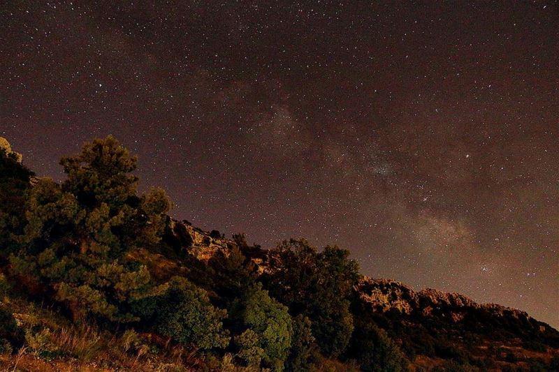 Through the stars 💫.... night nightphotography nightshot landscape... (Jezzîne, Al Janub, Lebanon)