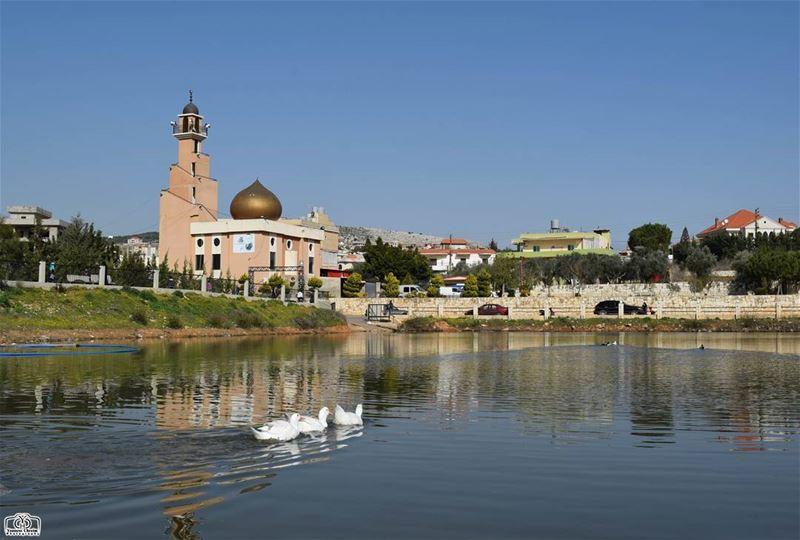 جمعة مباركة من كفرتبنيت lebanon southlebanon kfartebnit lake mosque ...