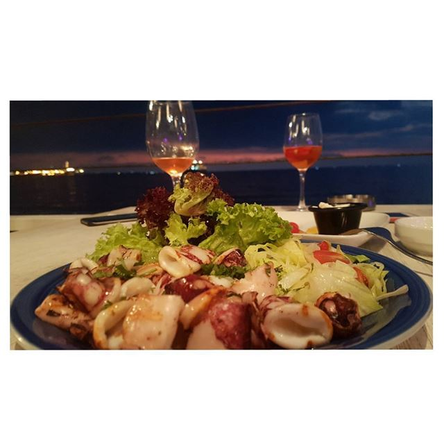 Company?Sunset?Food?Drinks?I would choose all of the above 🎈---... (Amarilla By the Coast)