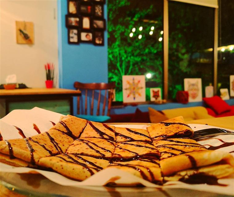 Chilling comes with a crêpe 🍃...Nexus 6P... crepe  dessert ... (Prana - Chilling Space)