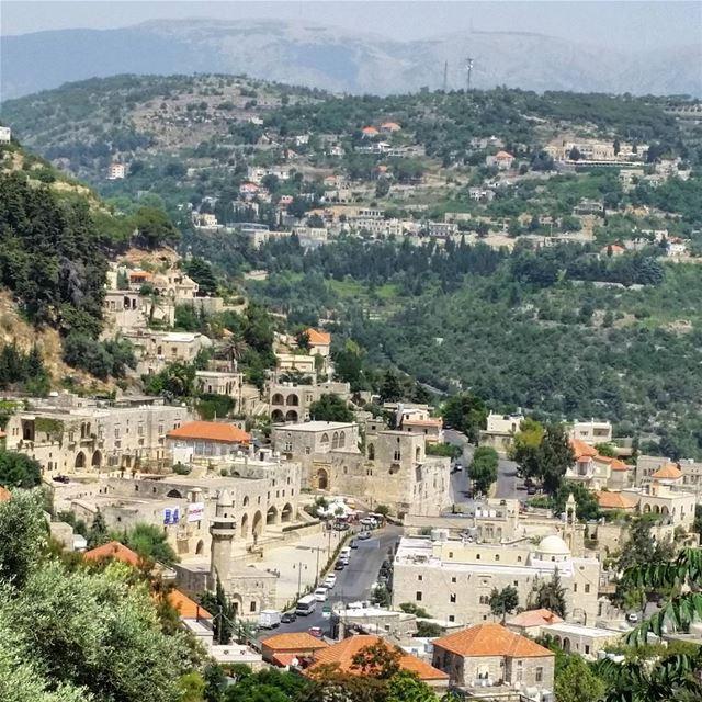 Official discovery day today in Deir el Qamar. discoverlebanon walking... (Dayr Al Qamar, Mont-Liban, Lebanon)