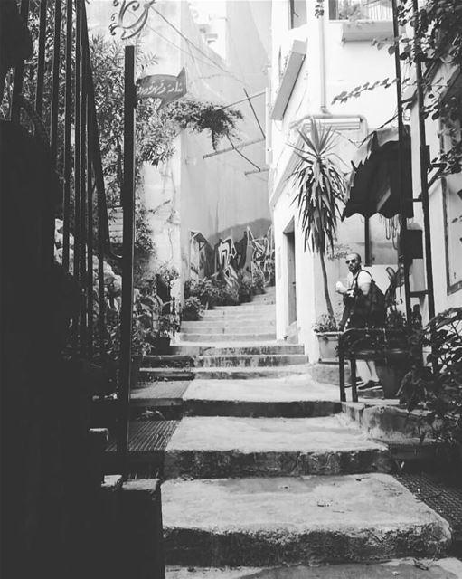 It's like in Havana .. 🔥♥️🇱🇧by:@zeinabzayour23 lebanon lebanon_hdr ... (Jemmayze)