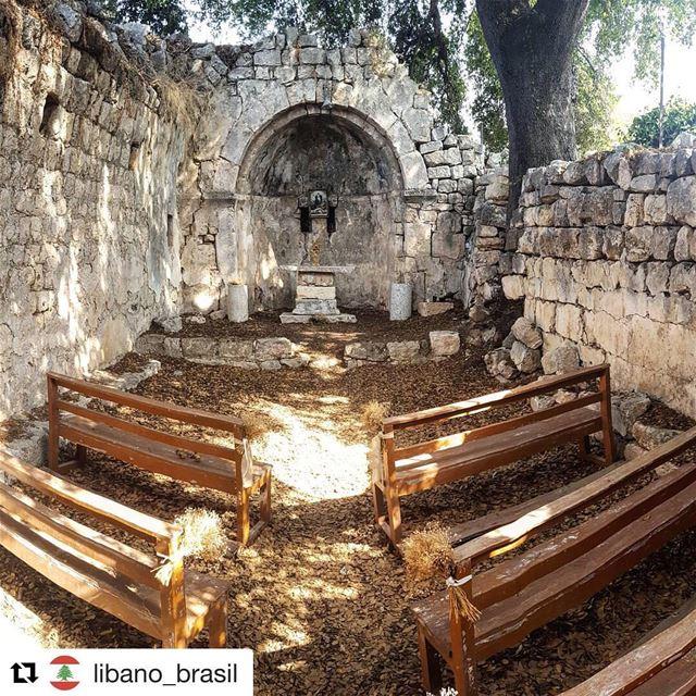 Repost @libano_brasil (@get_repost)・・・Igreja da Nossa Senhora da Salvaçã (Smar Jubayl, Liban-Nord, Lebanon)