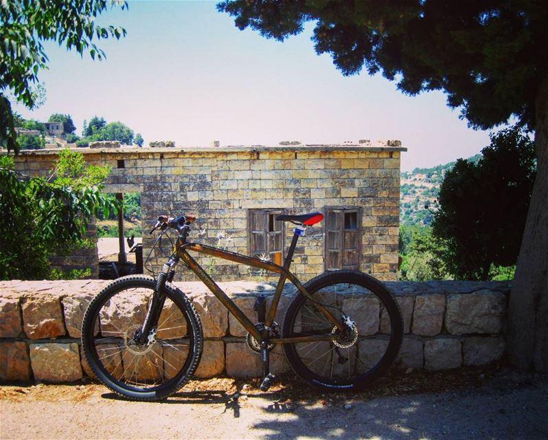bike ssbike vélo lebanon livelovelebanon sports oldhouses ... (Lebanon)