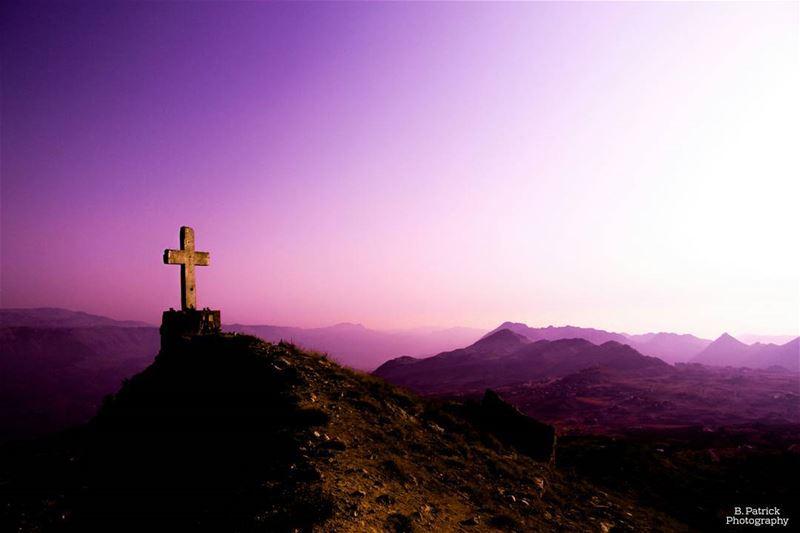 ~ 🕇 🌄 ~ .... cross mountains sun sunset exploremore ... (Akoura, Mont-Liban, Lebanon)