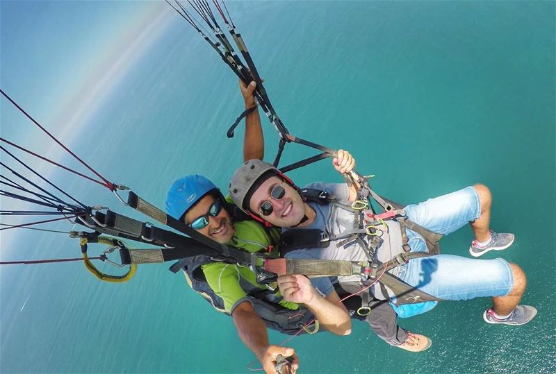 Above the sea 🌊🚀•••••••••••••••••••• paragliding super_lebanon sky ... (Jounieh, Liban)