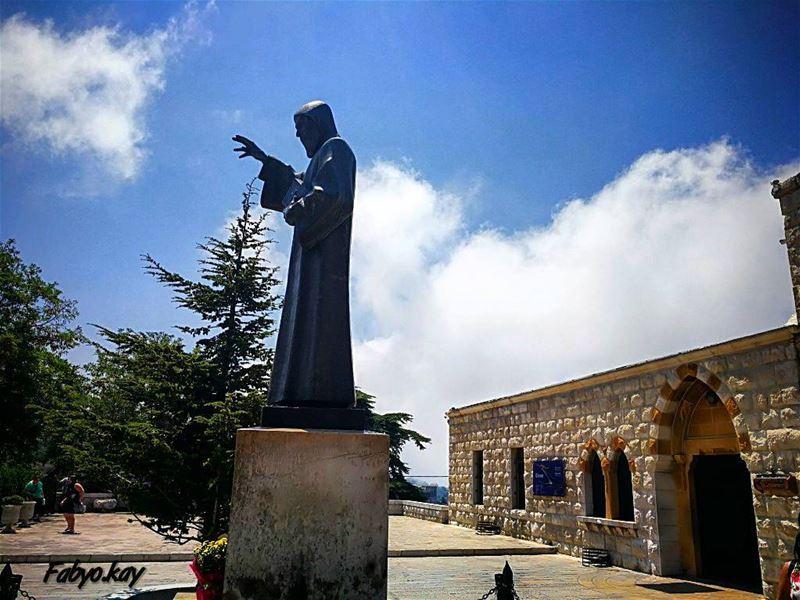 ________________________________________________يا مار شربل يا قديس المعجز (Saint Charbel)