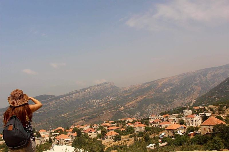 lebanesemountains villagefromabove insta_lebnen livelovelebanon ... (Douma, Liban-Nord, Lebanon)