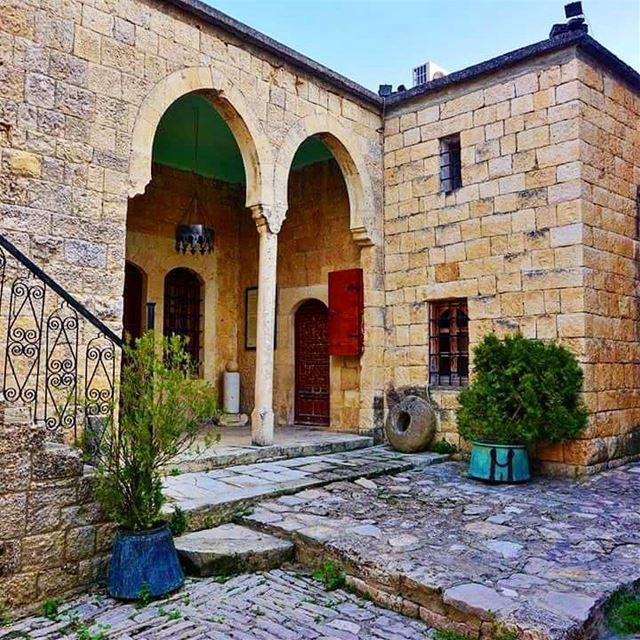 Hamades Palace, Baaklin baaklin palace oldhouse liveloveshouf ...