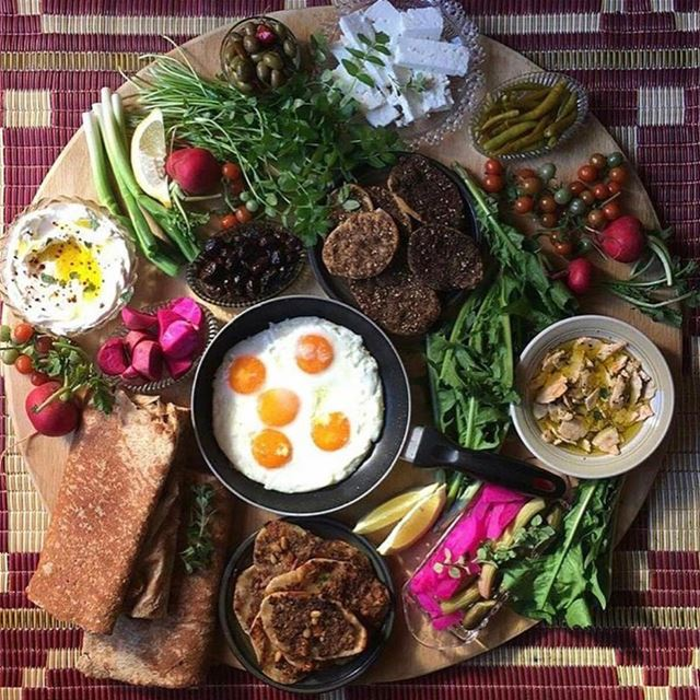 Good morning !! Nothing better than a delicious lebanese breakfast 🥚🍽 ....