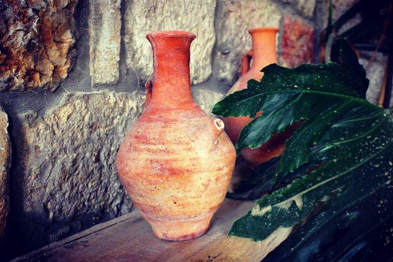 """صناعة الفخار (📸 """"لبنان 24"""")⠀⠀⠀⠀⠀⠀⠀⠀⠀ ⠀⠀⠀⠀⠀⠀⠀⠀⠀⠀⠀⠀ ⠀⠀⠀⠀⠀⠀⠀⠀⠀⠀⠀⠀ ⠀⠀⠀⠀⠀⠀⠀⠀⠀⠀"""