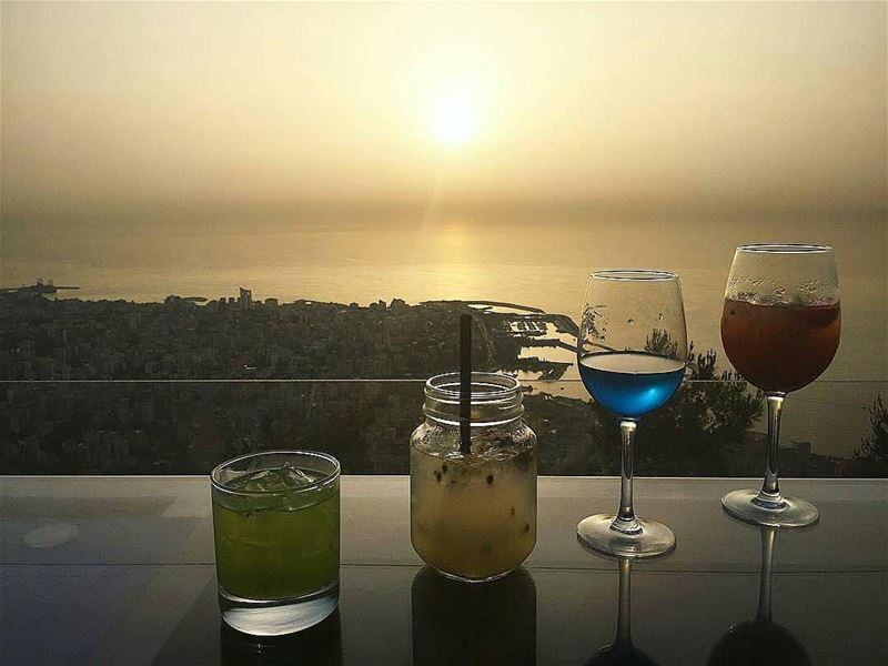 Repost @chahineceline・・・drinks & the sunset 😍🙌🏻🍷 AtTheTop ... (The Terrace - Restaurant & Bar Lounge)