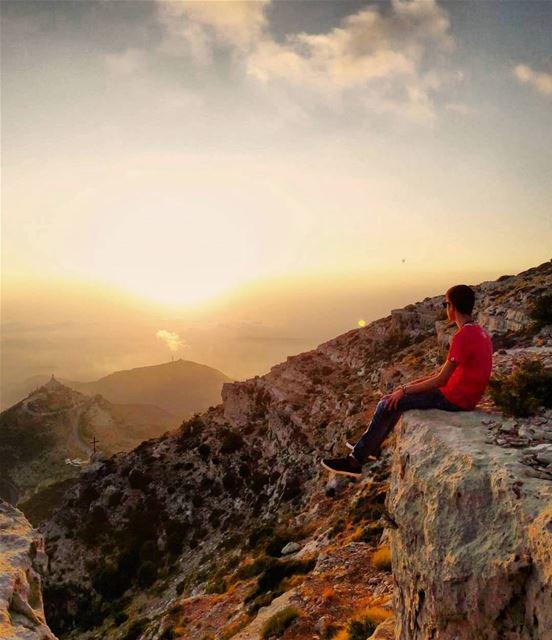 Lost in heaven ⛰ liveloveehden ..... adventure explore liveoutdoors... (Ehden, Lebanon)