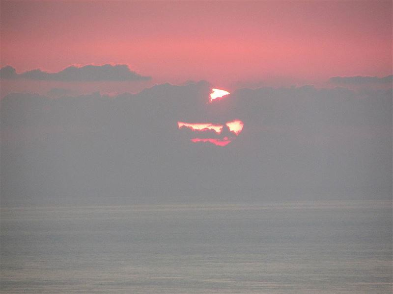The sunset 🌅 sea clouds nofilterforsunset sun beach beautiful sky...