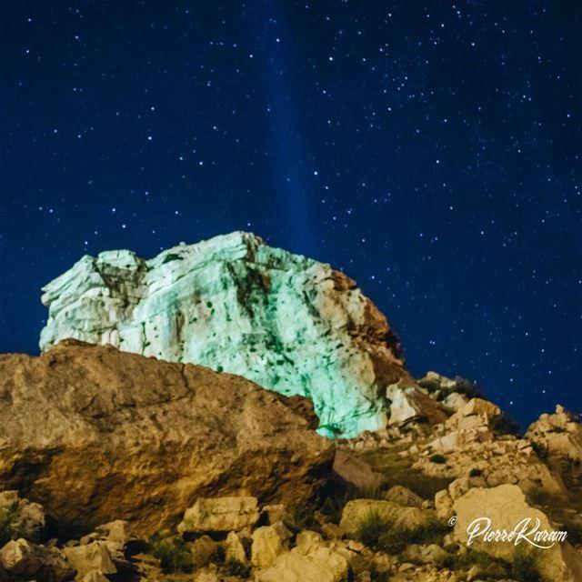 night shot nightphotography rock stars sky travelphotography ... (Laklouk)