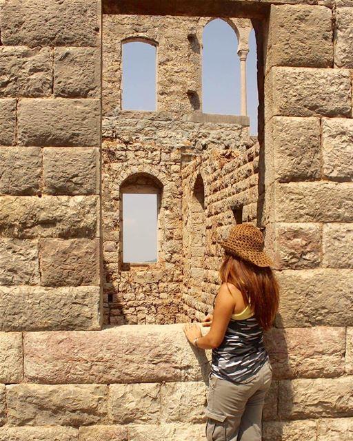 lebanonview historytour oldbutgold looking lebanontimes ... (Douma, Liban-Nord, Lebanon)