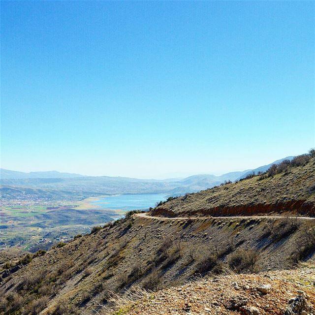 Simply beautiful❤❤🇱🇧🇱🇧 beautifulday lake road roadtrip ... (West Bekaa)