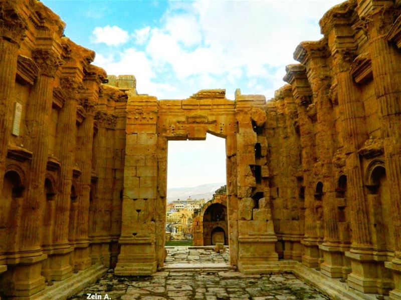 roman temple tourism outdoors travel streetphotography ... (Baalbek, Lebanon)
