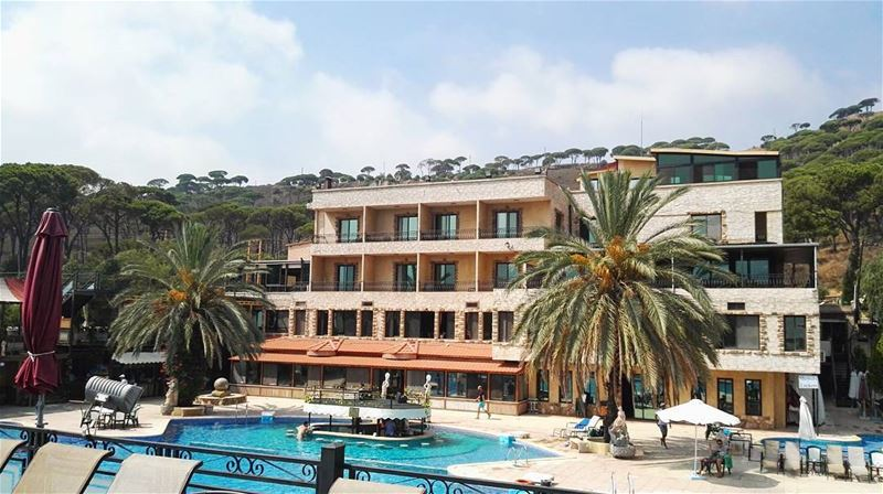 vacation lebanon summer summertime love resort relax fun sunnyday... (Mount Lebanon Governorate)