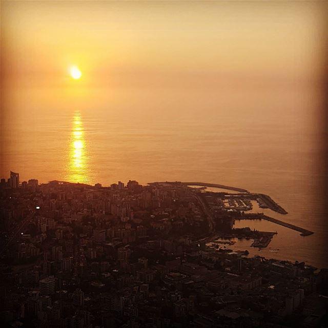 Jounieh Sunset Lebanon sunsetporn jouniehtimes ... (Residence Samaha)