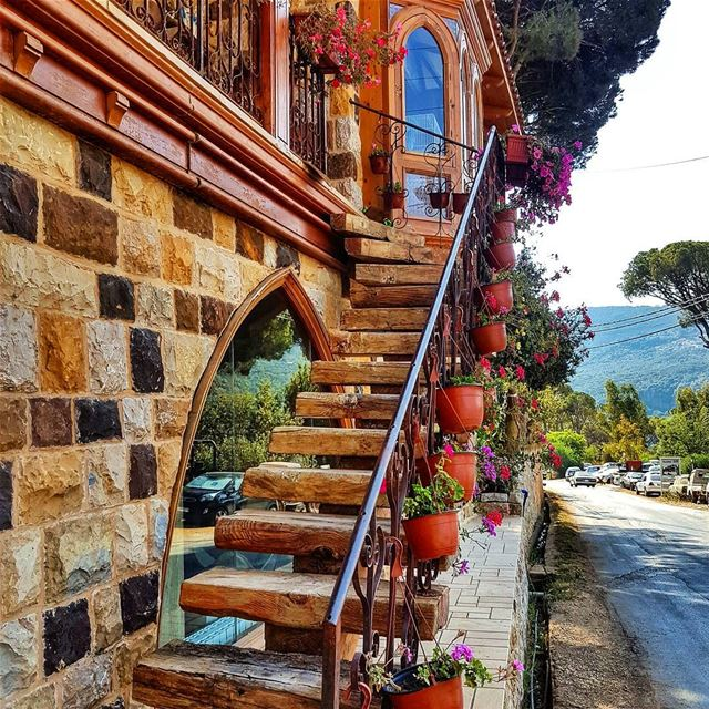 Stairs and flowers  flower  flowersofinstagram  lebanonhouses  village ... (Baabda District)