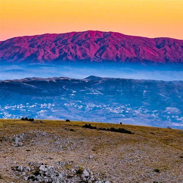 Sunkissed Wrinkles 🏔️ sheikh sunset dusk Hermon bekaa mountlebanon ...