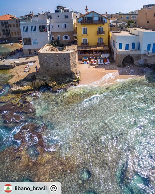 """""""Fotografia maravilhosa da atmosfera náutica em praia de Tiro, antiga e pró"""
