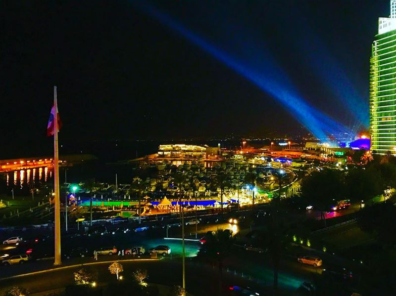 livelovebeirut livelovelebanon lebanesenights lebanonhouses ... (Phoenicia Hotel Beirut)