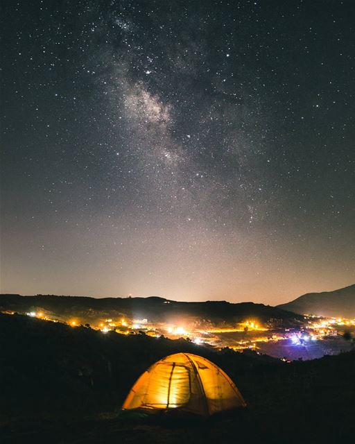 Camping under the milkyway, away from the hectic cities and artificial... (Majdel Tarchich)