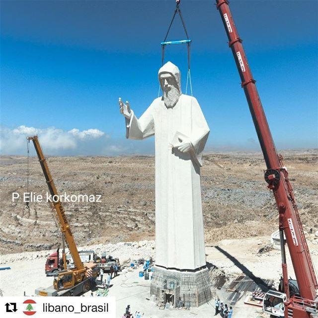 Repost @libano_brasil (@get_repost)・・・A maior estátua de São Charbel do... (Faraya, Mont-Liban, Lebanon)