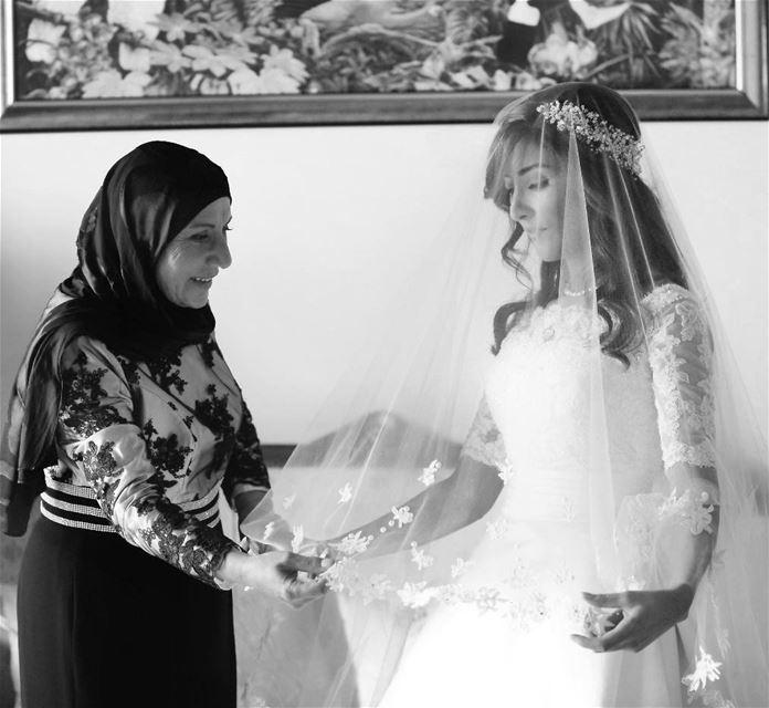غدغودتي ❤ أمي.. ابتسامة ستين بثوب عشرينية.. حنين بعلبك.. صوت فيروز.. لبنان...
